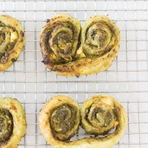A delicious pesto and goat cheese savoury palmier to satisfy your pastry craving!