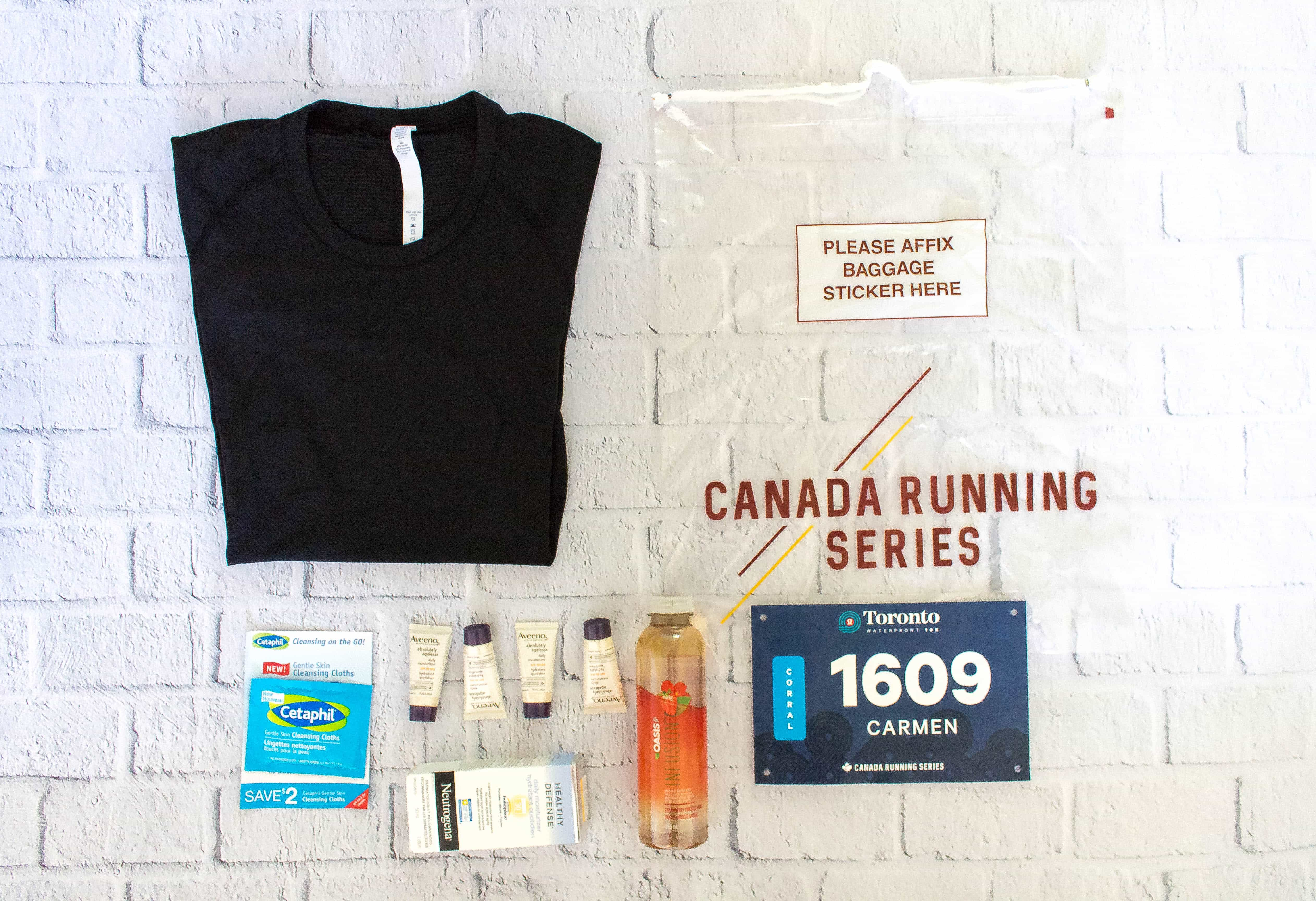 Toronto Waterfront Lululemon 10K race kit swag bag