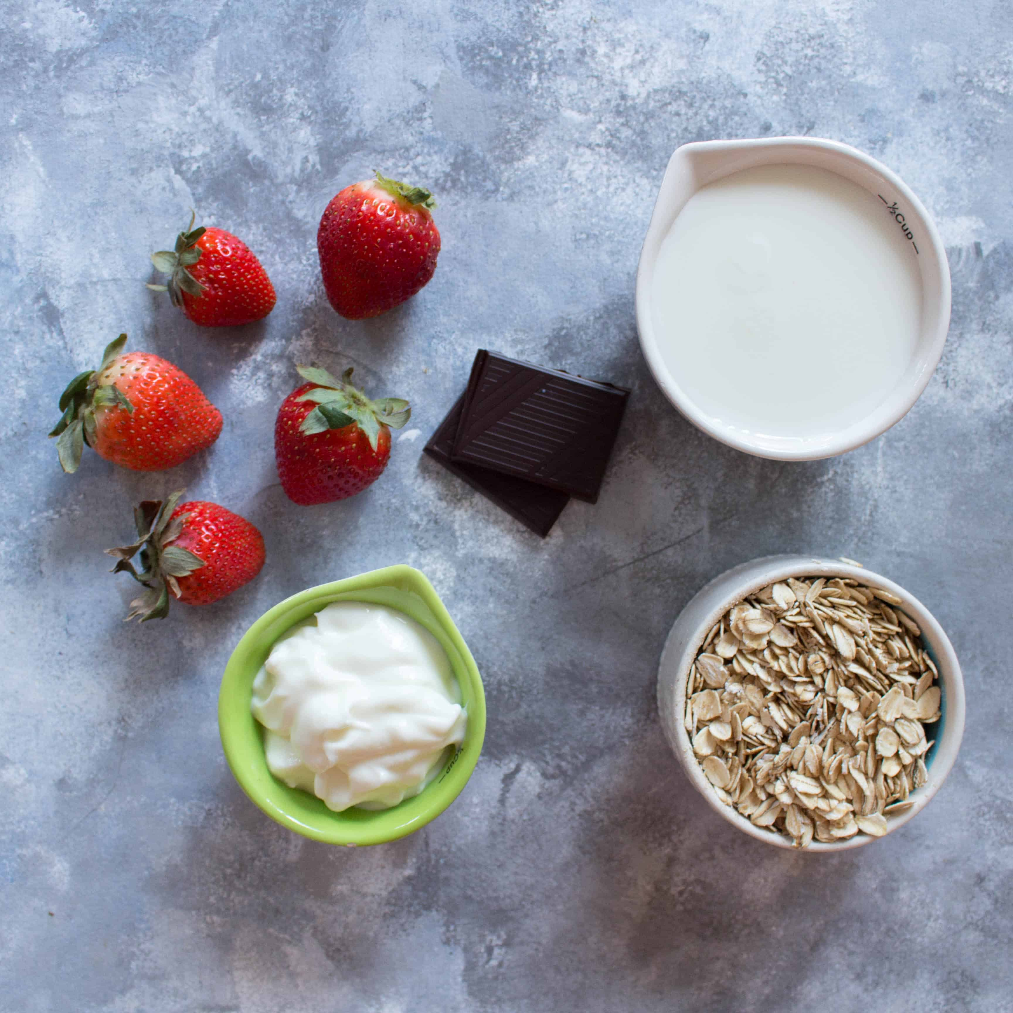 Overnight Oats Strawberries and Cream