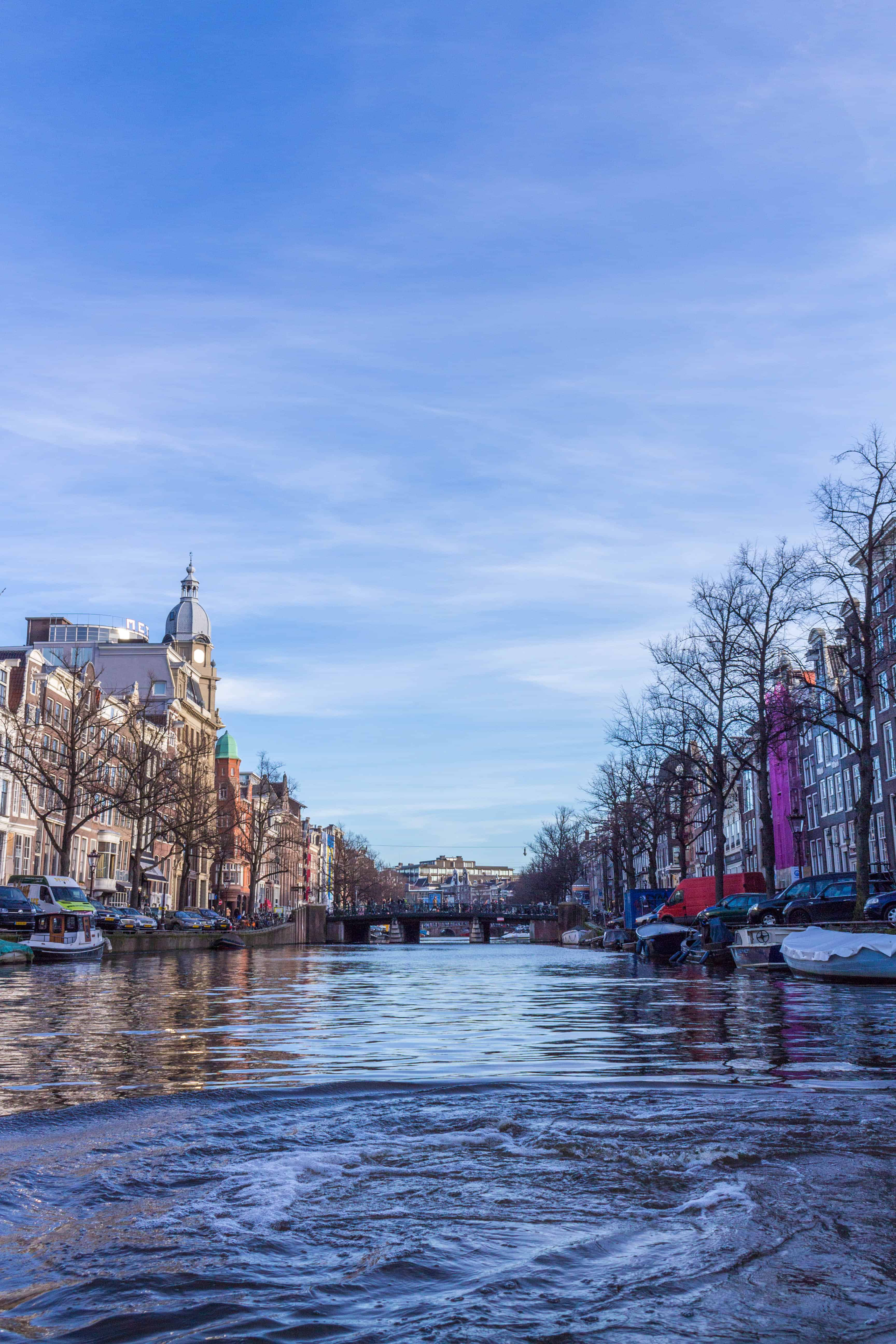 Amsterdam Itinerary; blue boats tour view