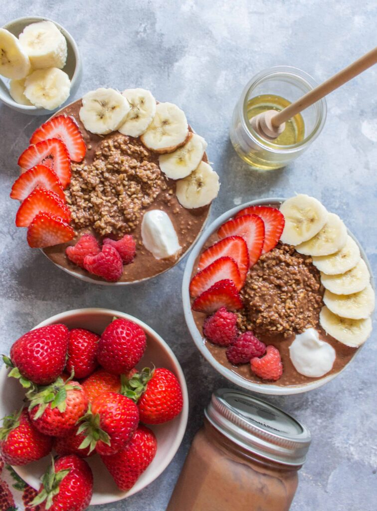 Are you ready for breakfast with a twist? Prepared in under 10 minutes the night before, this Chocolate Chia Steel Cut Overnight Oats is so delicious and creamy, that it's like eating ice cream for breakfast!