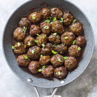This asian inspired meatball recipe, Hoisin Sriracha Glazed Meatballs, will quickly become a meal prep favourite! Coated with a delicious sauce with a hint of spice, you're going to want to eat it all week!