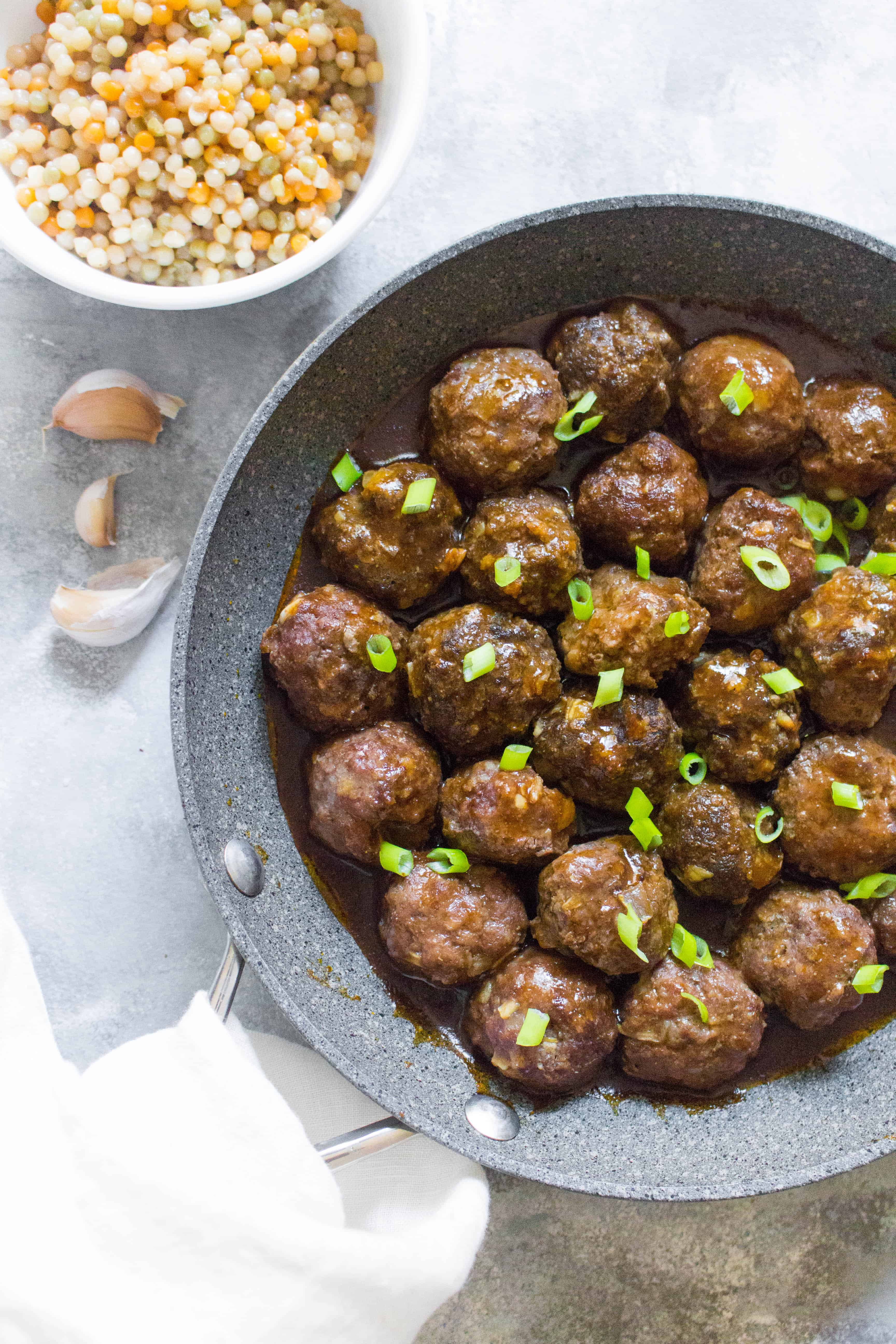 This asian inspired meatball recipe, Hoisin Sriracha Glazed Meatballs, will quickly become a meal prep favourite! Coated with a delicious sauce with a hint of spice, you're going to want to eat it all week! #meatballs #mealprep