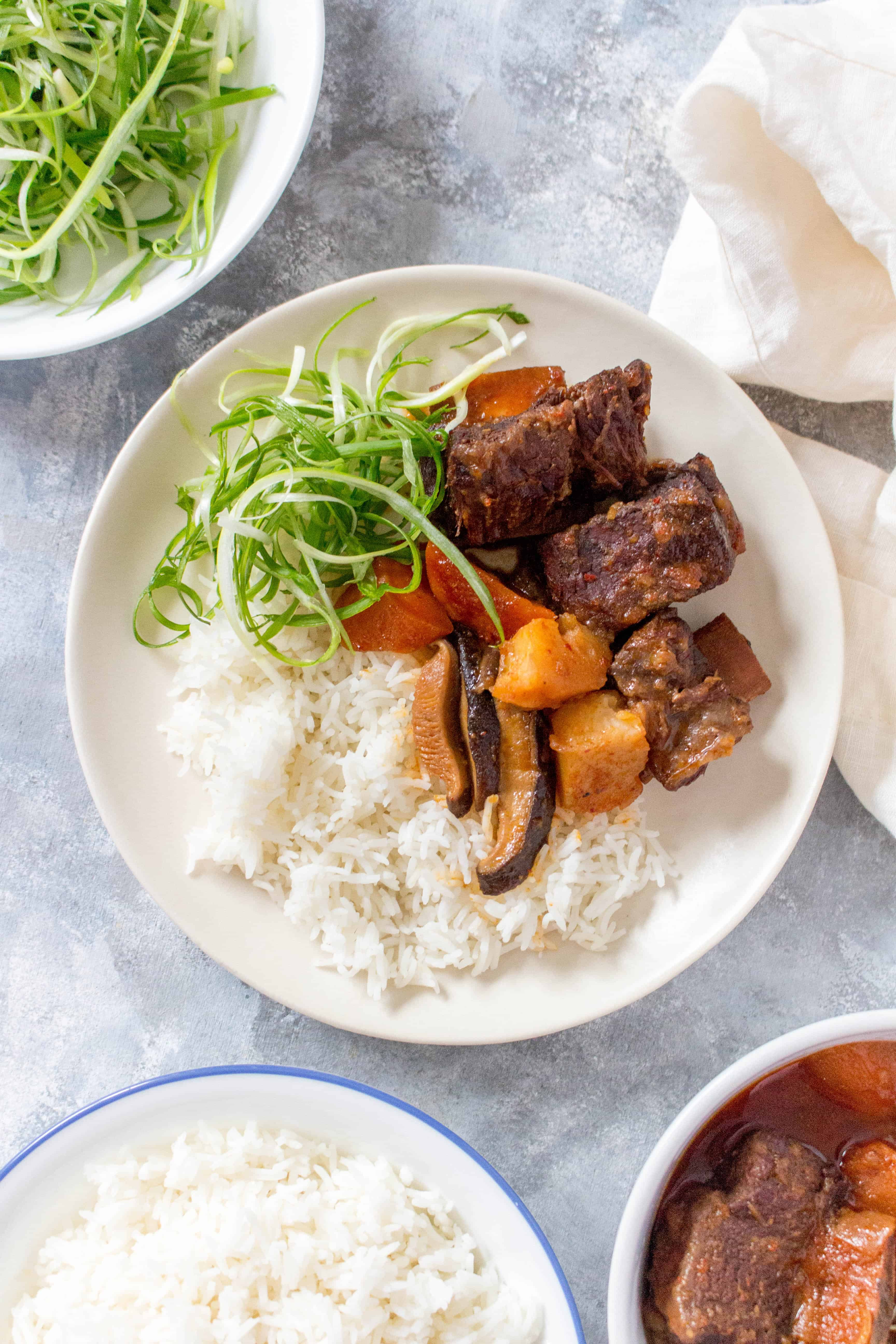 Korean Instant Pot Beef Short Ribs | These spicy sweet but savoury Korean Instant Pot Beef Short Ribs are going to knock your socks off. It's such a cozy meal that you're going to want to make this again and again all winter.