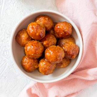 These baked Firecracker Chicken Meatballs are perfect for a meal prep, dinner, or as a party appetizer!