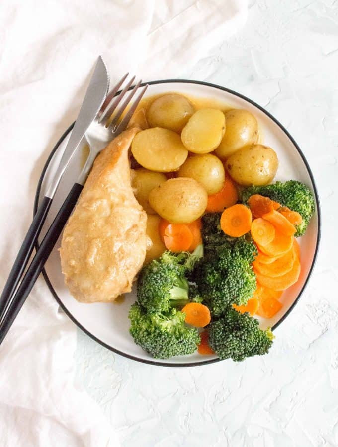 This Honey Mustard Chicken, Potatoes, and Vegetables is all made in one pot, the Instant Pot! Juicy, full of flavour, and simple to make, this Instant Pot chicken recipe will make dinner (and meal prep) a breeze!