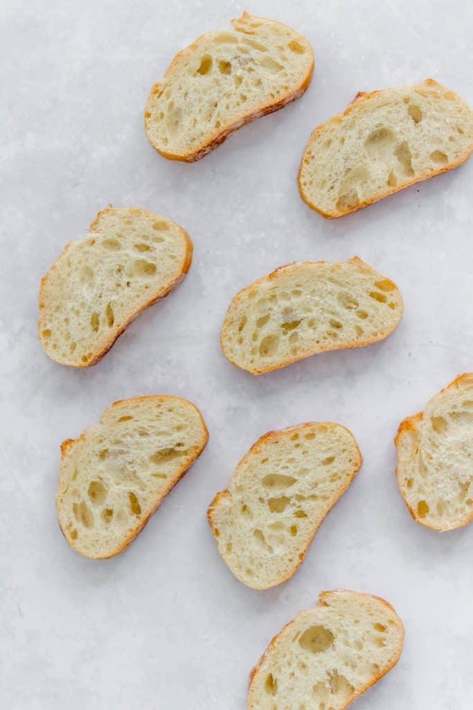 Cut baguettes.