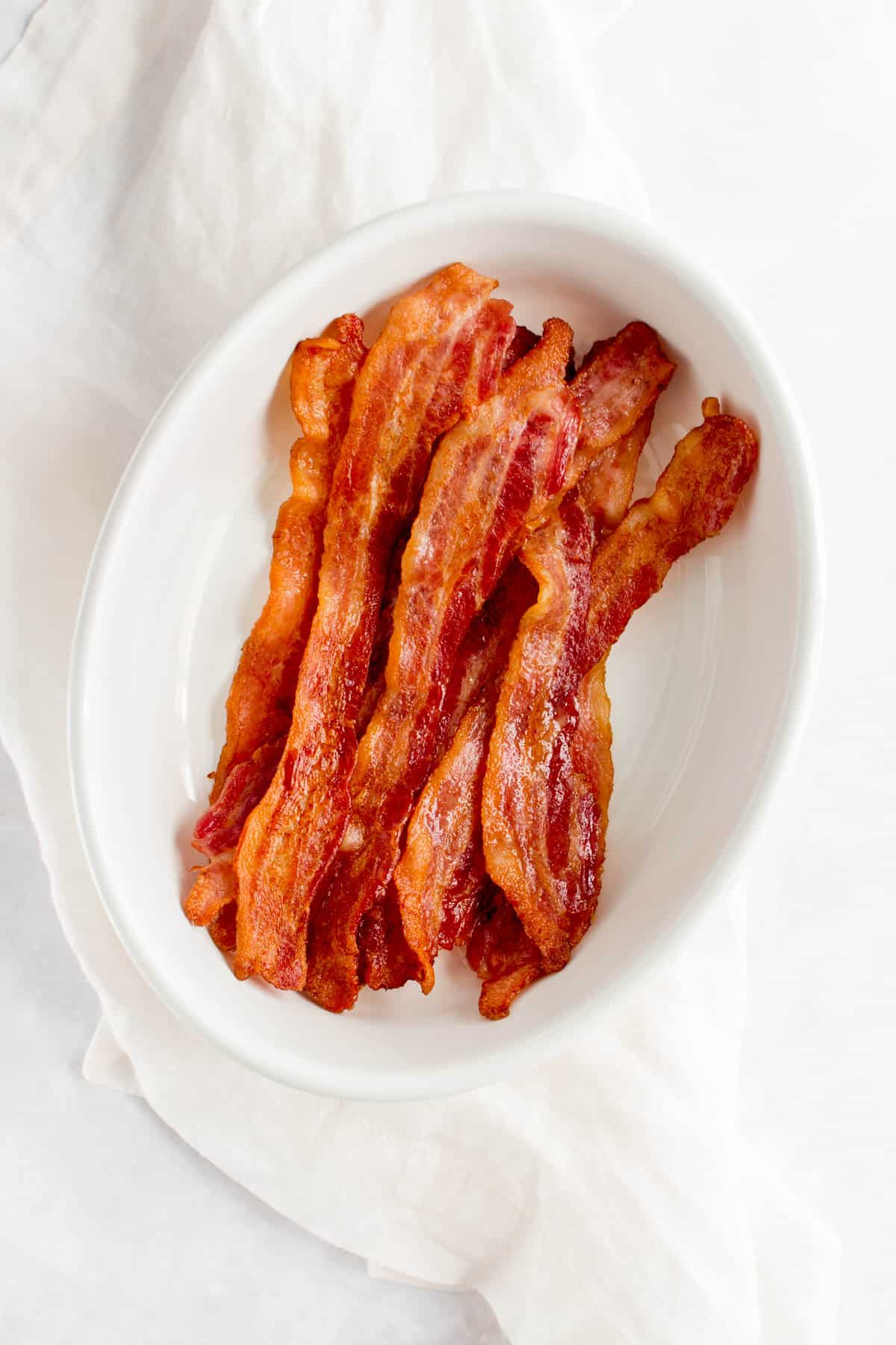 Bacon in a serving platter.