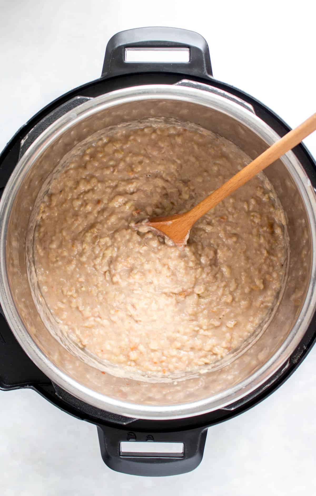 Mixed banana bread oatmeal in an Instant Pot.