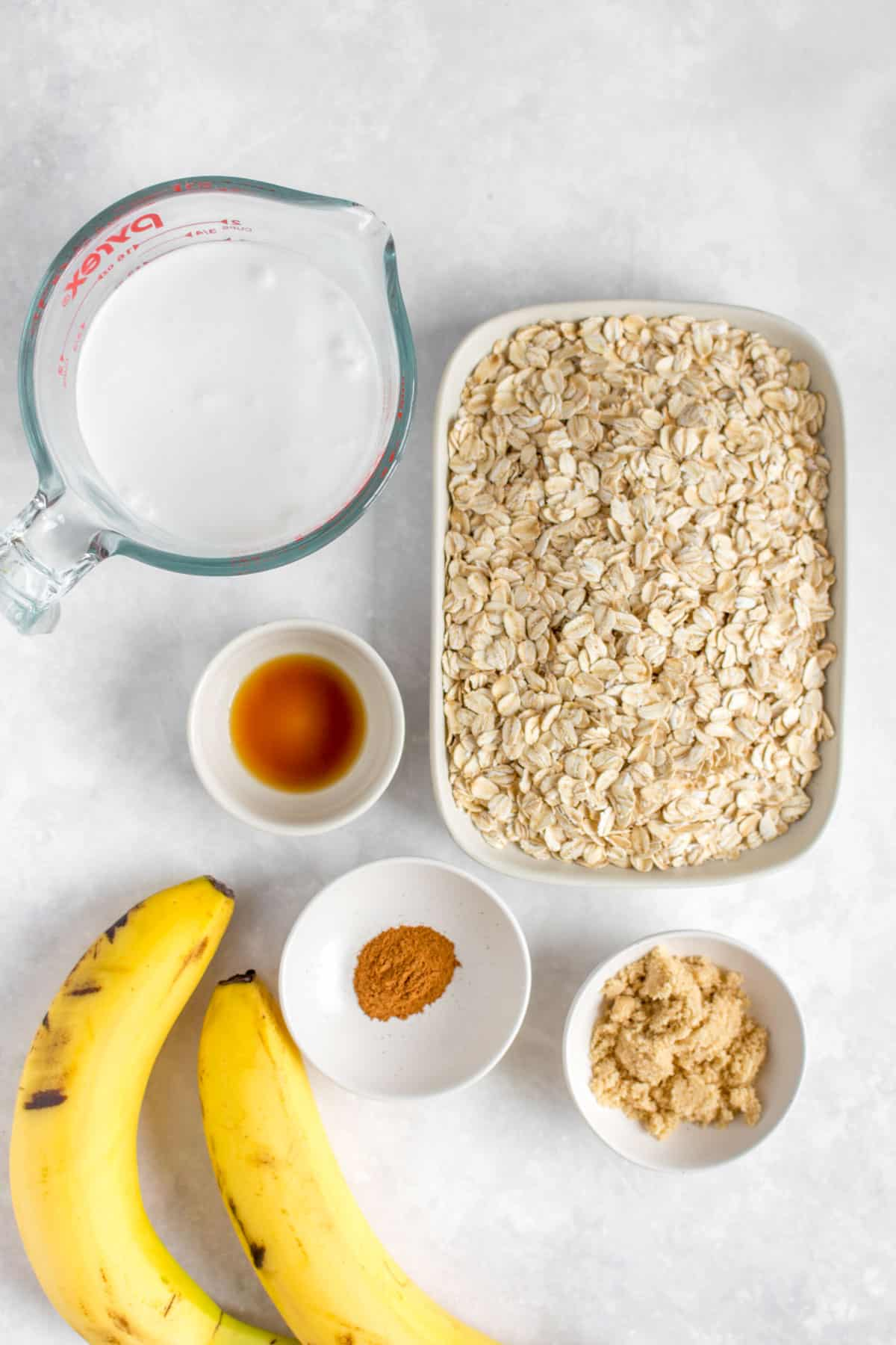 Ingredients needed to make banana bread oatmeal in the Instant Pot.
